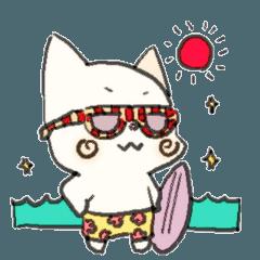 白猫にゃん